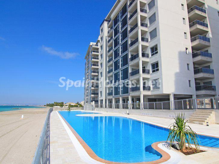 lamangadelmarmenor costacalida - Vacaciones de verano: 11 apartamentos en alquiler económicos para disfrutar en la playa