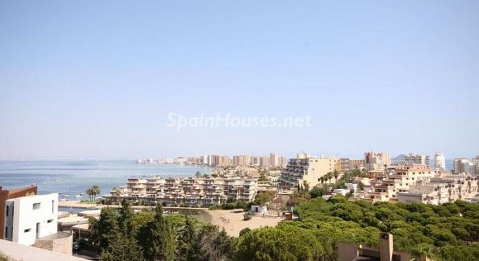 lamangadelmarmenor murcia1 - España, el país europeo donde más gente vive en pisos y de los que más compra