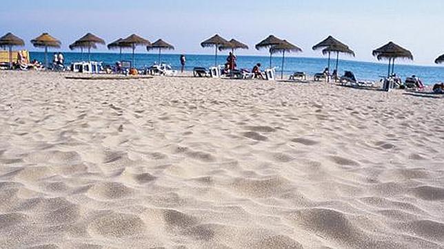 larada estepona - 6 playas en la Costa del Sol para una escapada de vacaciones en Semana Santa