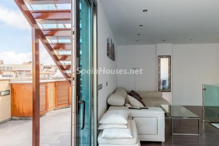 laspalmasdegrancanaria1 - 17 fantásticas viviendas llenas de luz, amplitud y decoración moderna cerca del mar