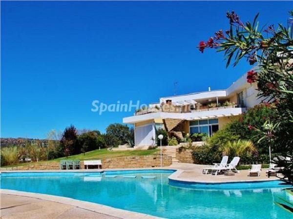 lasrozas madrid 1 - El alquiler también se viste de primavera: 23 casas y pisos llenos de luz, naturaleza y mar