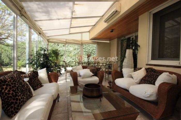 lasrozas madrid - 17 preciosas casas con rincones de encanto y sol para disfrutar los últimos días del otoño