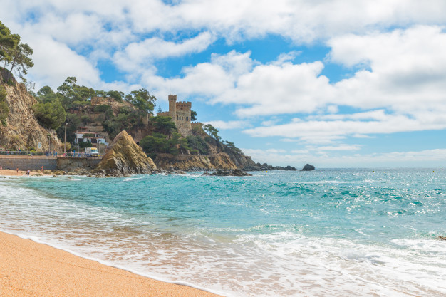 lloret mar castell plaja playa sa caleta costa brava cataluna espana 73503 637 1 - Pueblos con encanto de la Costa Brava
