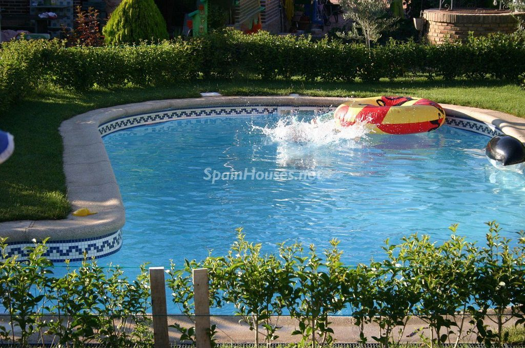 Chalet pareado en venta en Loeches (Madrid)