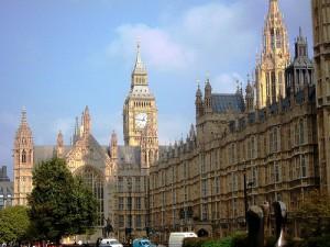 londres1 300x225 - El dueño de Zara compra un edificio de más de 4.000 metros cuadrados en Londres