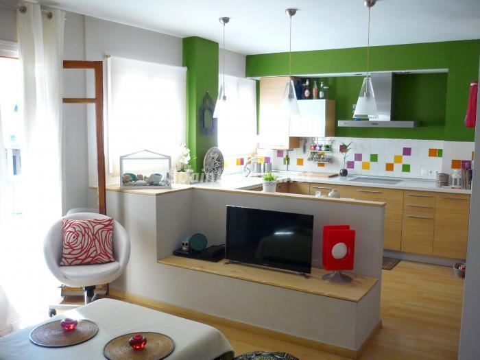 malaga 1 - 16 estupendos pisos de 2/3 dormitorios con garaje y trastero en la ciudad o cerca del mar