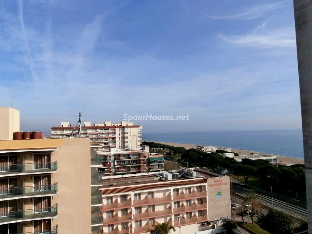 malgratdemar barcelona1 1024x768 - ¡A la caza de gangas en Barcelona! 21 estupendos pisos entre 45.000 y 120.000 euros