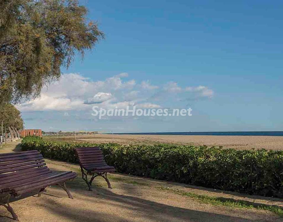 malgratdemar maresme barcelona - 16 apartamentos de 1 dormitorio cerca del mar, por menos de 110.000 euros