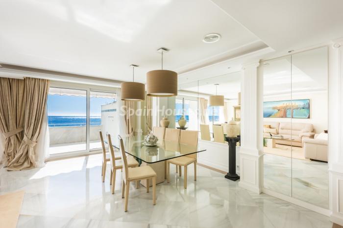 marbella malaga 10 - 10 fantásticos salones modernos que se abren a la terraza, a la piscina o al mar