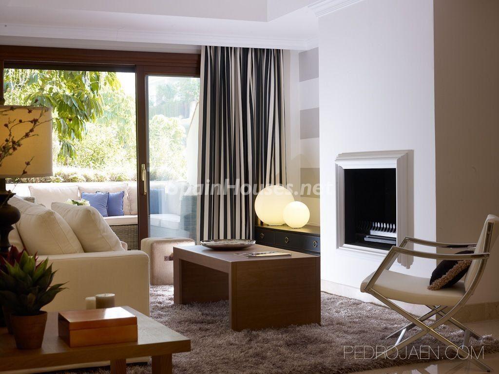 marbella malaga 13 1024x768 - Calidez y chimeneas en 17 salones perfectos para disfrutar del invierno