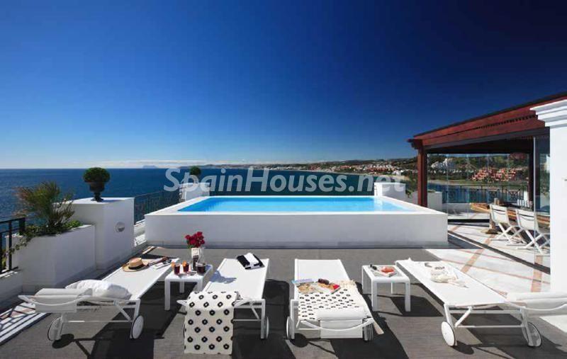 marbella malaga 17 - Veranos de lujo en 19 espectaculares terrazas junto al mar