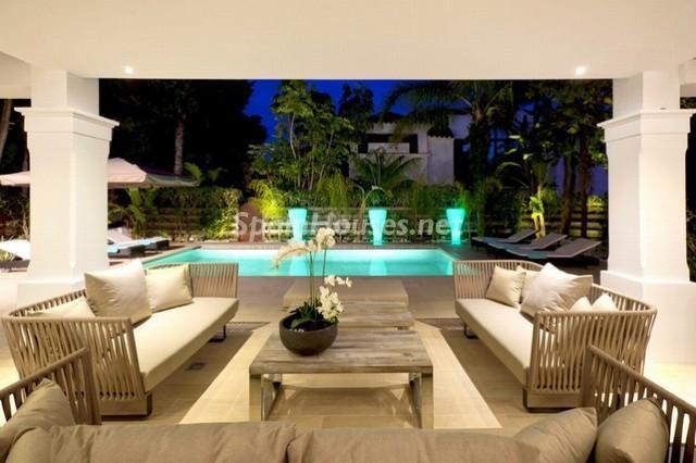 marbella malaga 9 - Noches de verano en 18 casas de ensueño: diseño bajo las estrellas para relajarse y disfrutar