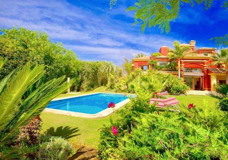 Casa con jardín y piscina en Puerta Real, Marbella (Costa del Sol, Málaga)