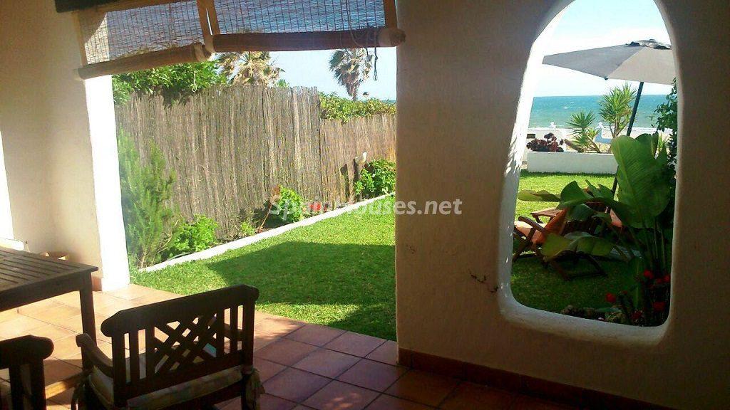 matalascañas costadelaluz 1024x576 - Vacaciones de verano: 11 apartamentos en alquiler económicos para disfrutar en la playa