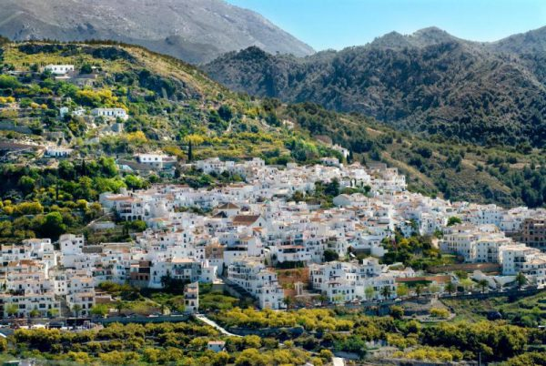 media galerias 3 8 02 38022de36537f928ec19d63848c04e6f 600x402 - Los mejores pueblos de Málaga para una escapada rural en las fiestas del Pilar