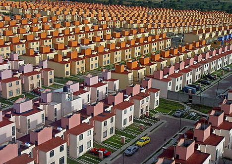 mexico urban sprawl city mass housing - La Costa del Sol invadida por miles de viviendas