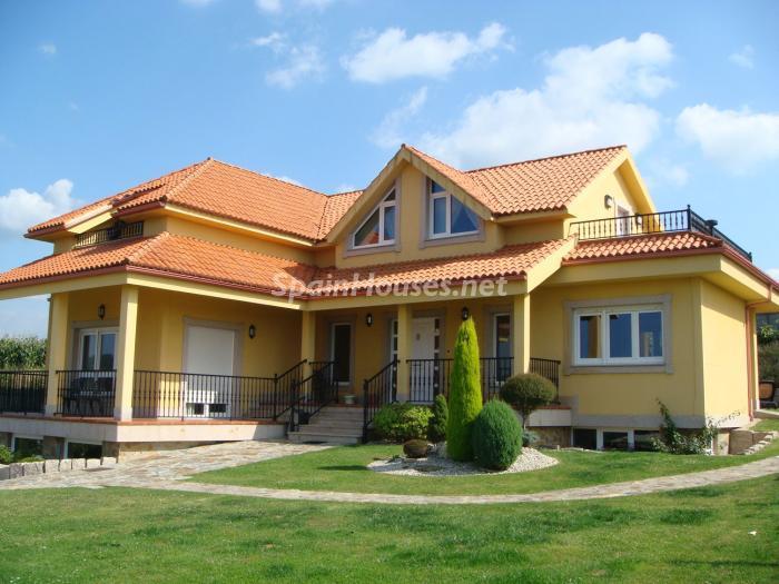 miño lacoruña 1 - De verde y primavera: 18 espectaculares casas con un amplio y soleado jardín