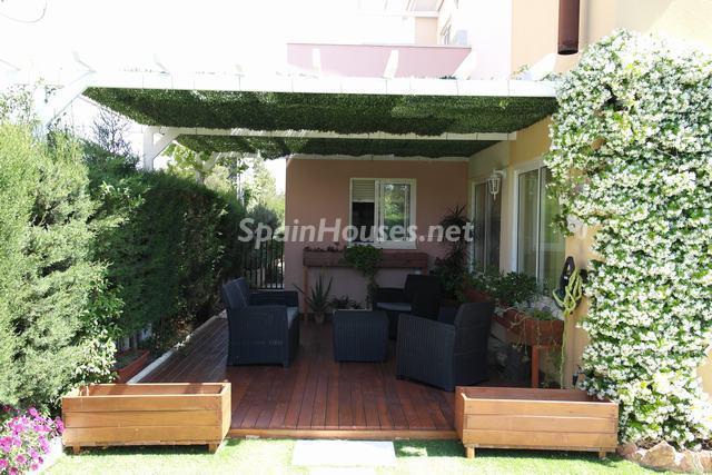 miamiplaya tarragona - 20 preciosas casas para disfrutar de la primavera con bonitos rincones en el jardín