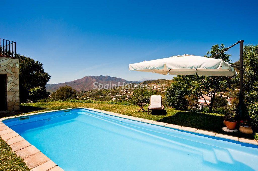 mijas malaga 3 1024x681 - Otoño en 12 preciosas casas en la montaña ideales para disfrutar de la naturaleza