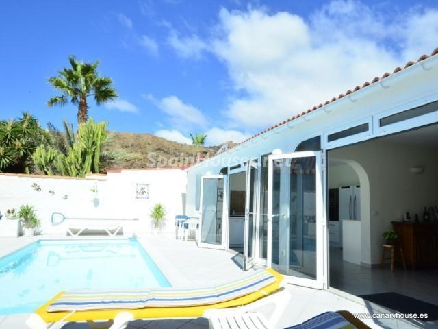mogan laspalmas 4 - Fantásticas piscinas de otoño en 14 geniales casas ideales para despedir el verano