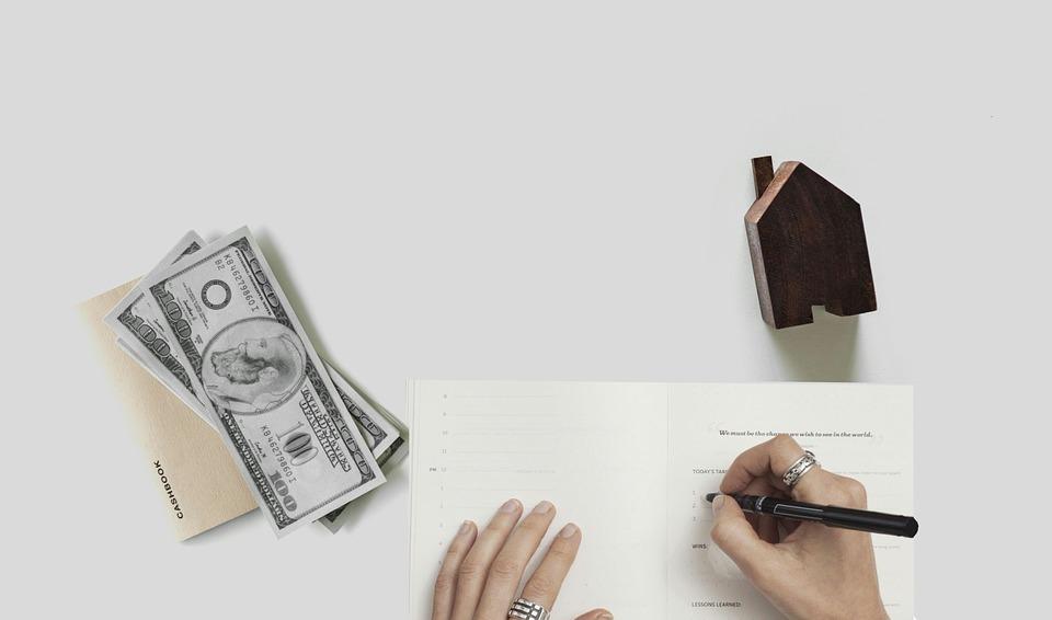 mortgage 3580537 960 720 2 - Comprar un casa es hoy un 20% más barato que antes de la crisis pero alquilar cuesta más respecto a 2007