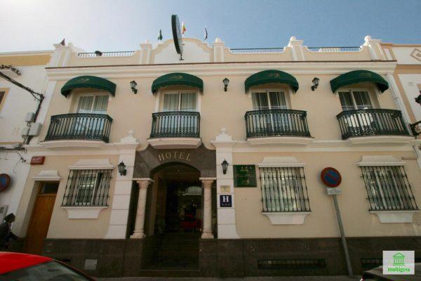 nerja 2 600x400 - Negocios en Málaga, una buena oportunidad