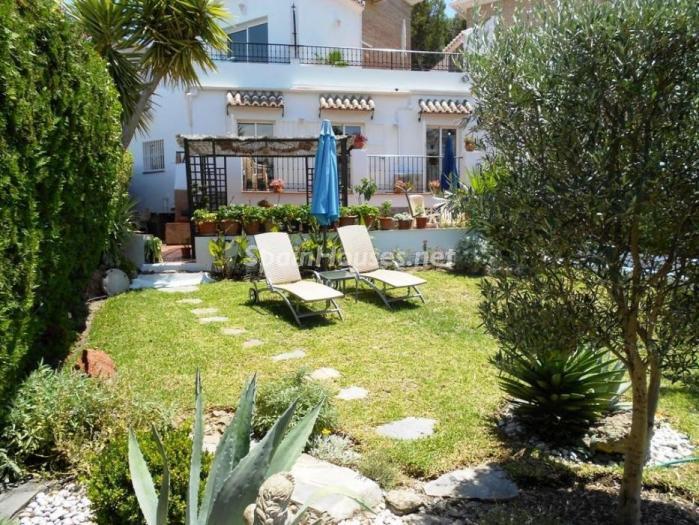 nerja malaga 2 - 20 preciosas casas para disfrutar de la primavera con bonitos rincones en el jardín