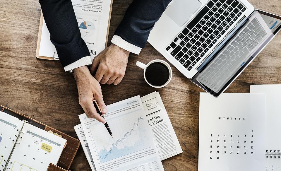 office 3295556 960 720 1 - El precio de la vivienda repunta un 6,5% en diciembre y un 5% en 2018, según Tinsa