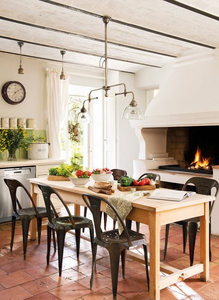 office con cocina de lena 937x1280 439x600 - La Ferme du Bon Dieu: Una granja convertida en casa que alberga una historia de amor