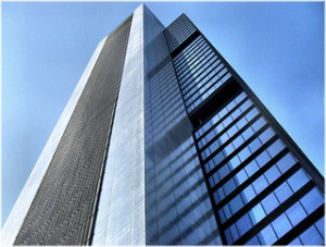 oficinas madrid 300x227 - España, el tercer país europeo más atractivo para invertir en el mercado inmobiliario