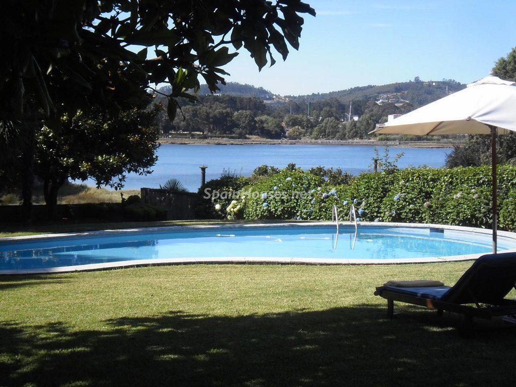 oleiros lacoruña 2 1024x768 - Fantásticas piscinas de otoño en 14 geniales casas ideales para despedir el verano