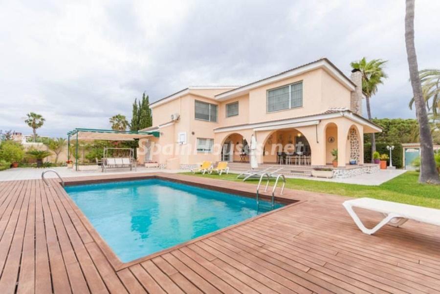 orihuela alicante 3 - Fantásticas piscinas de otoño en 14 geniales casas ideales para despedir el verano