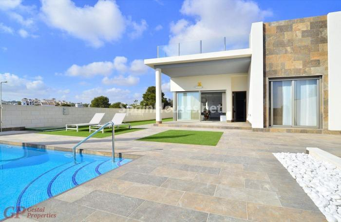 orihuelacosta alicante1 - Arquitectura contemporánea: 16 fantásticas casas de diseño moderno para estrenar