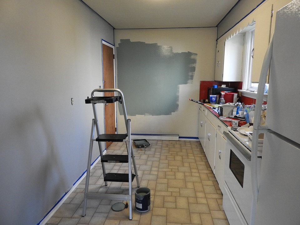 paint 2247394 960 720 1 - Cinco consejos para llevarte bien con tus vecinos cuando vas a hacer reforma