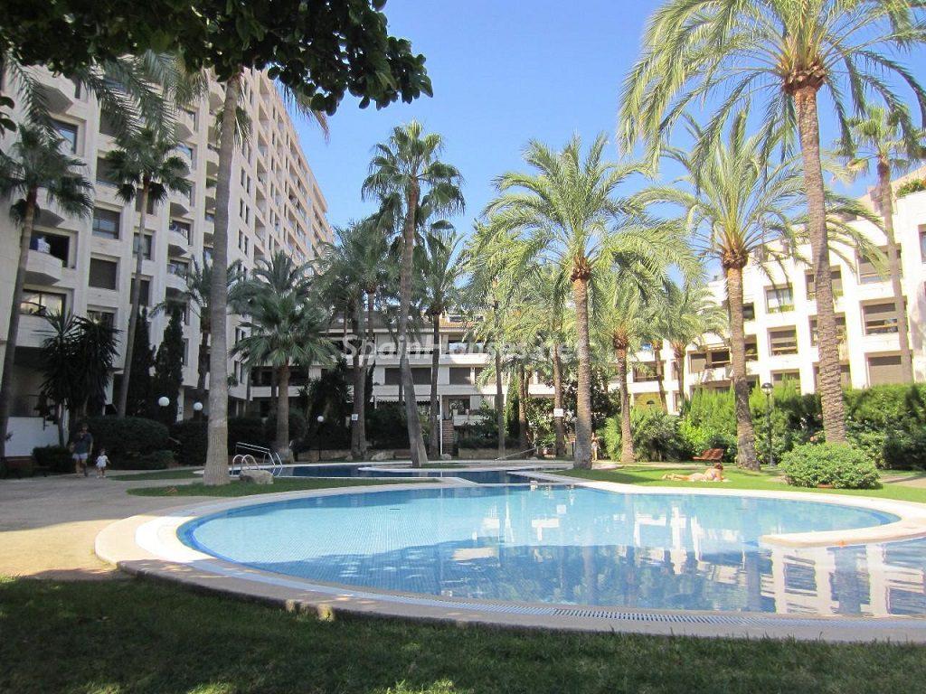 palmademallorca baleares 3 1024x768 - Sugerencias refrescantes para el verano: 19 pisos con piscina en la ciudad o junto al mar