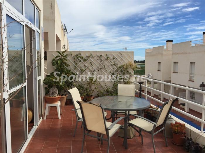 palomares almeria - A la caza de gangas en Almería: 14 casas y pisos por menos de 96.000 euros en Mojácar, Níjar...