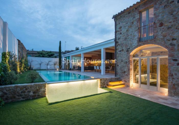 pals girona 1 - 22 fantásticas casas de piedra, masías catalanas y villas mallorquinas para enamorar