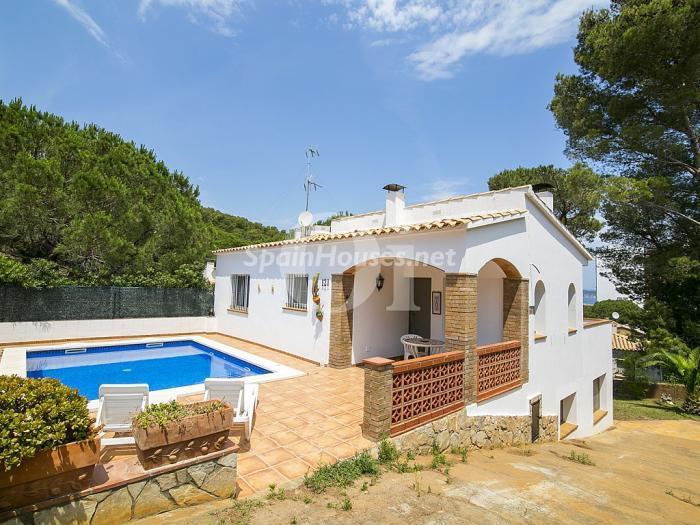 pals girona - Verde, sol y mar: 19 fantásticas viviendas a buen precio en campos de golf en España