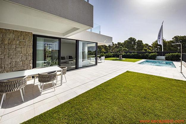 parcela casa con piscina Alicante - Descubre esta espectacular casa con piscina en Alicante