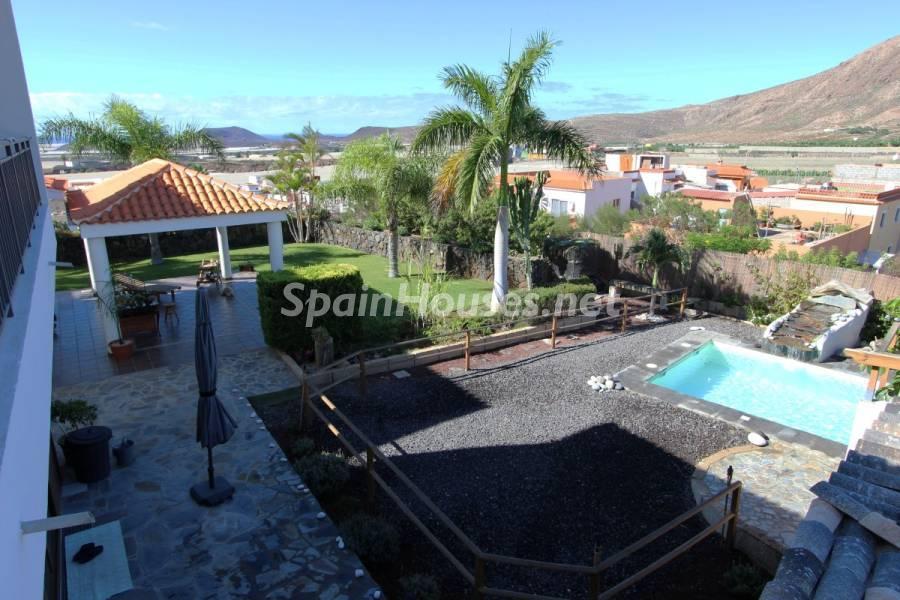 parcela jardin piscina - Sabor canario en una fantástica casa con piscina y jardin en Arona (Tenerife)