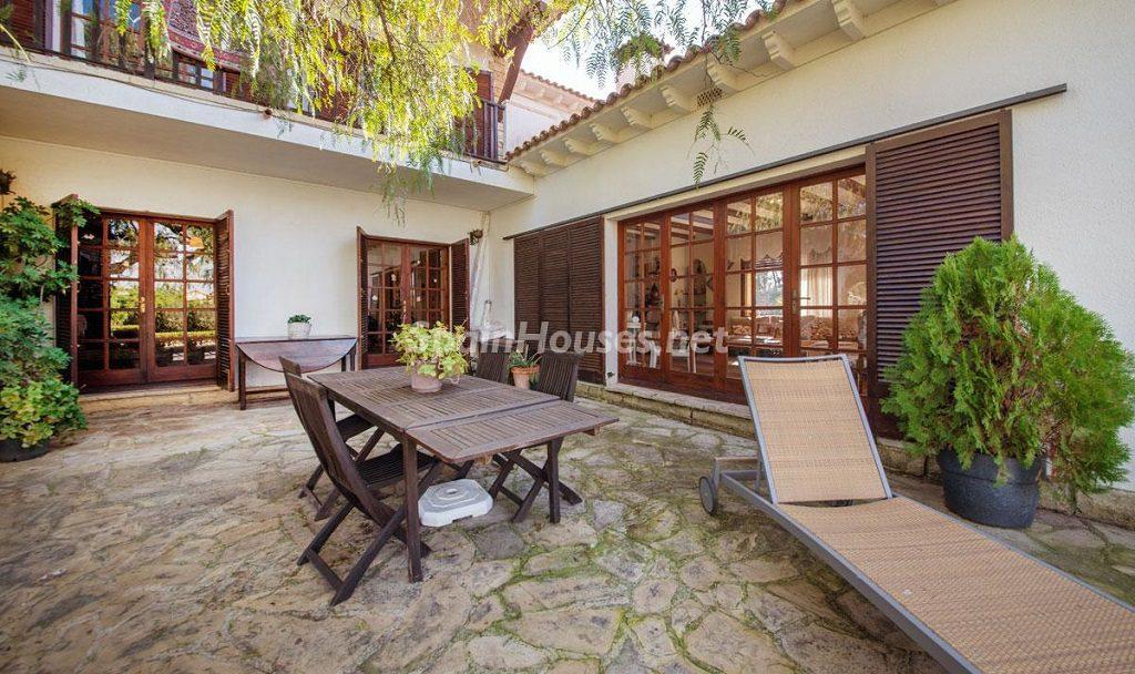patio 5 1024x608 - Preciosa casa rústica entre viñedos y naturaleza en el Bajo Penedés, Tarragona
