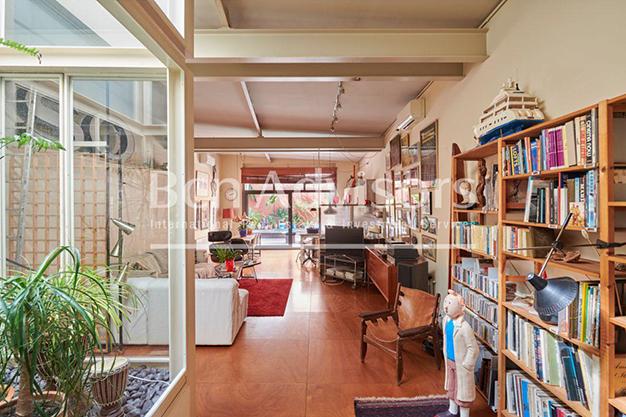 patio interior - Este amplio apartamento con piscina en Barcelona es ideal para descansar y disfrutar de la ciudad