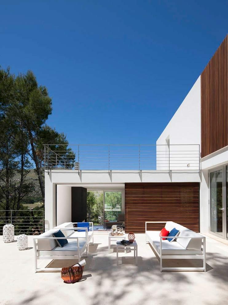 patio1 4 - Diseño modular y mediterráneo en una genial casa en Pollensa (Mallorca, Baleares)