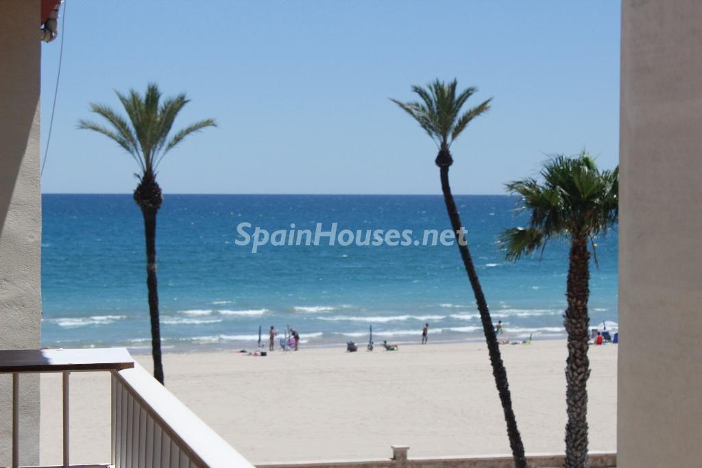 peñiscola castellon 1 1024x683 - ¡A la caza de gangas! 14 apartamentos por menos de 114.000 euros junto al mar