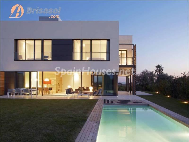 perelada girona - Noches de verano en 18 casas de ensueño: diseño bajo las estrellas para relajarse y disfrutar