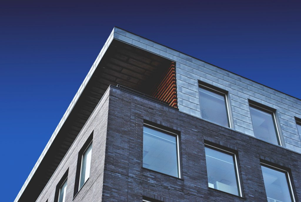 photo 1448630360428 65456885c650 1 1024x686 - El Gobierno revisa los tipos de interés concedidos en los planes de vivienda