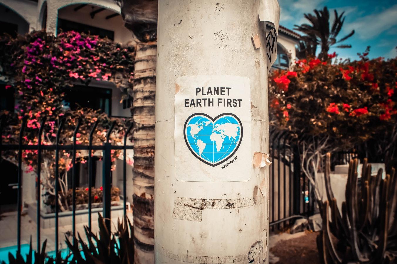 photo 1507745512299 8bd0e0b3380f - Vivienda sostenible: Casas que cuidan el medio ambiente