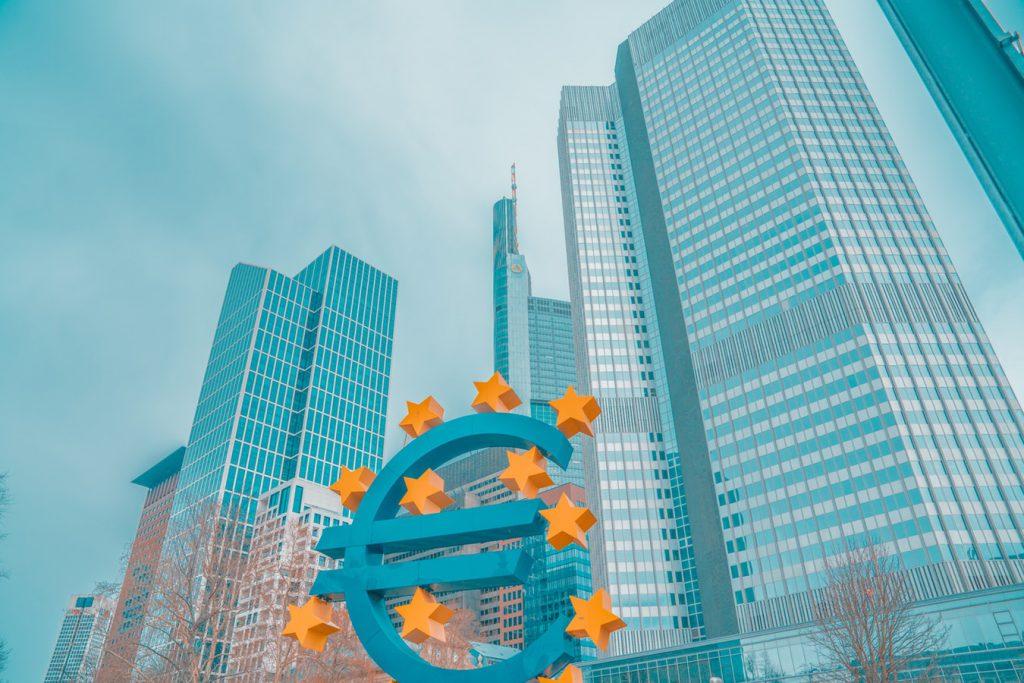 photo 1525367063161 61df4bf6100a 1024x683 - El Euribor sube en enero al -0,116% y encarecerá la hipoteca en 39 euros anuales
