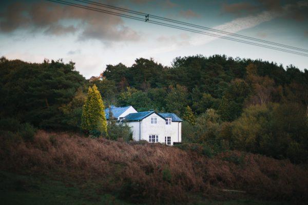 photo 1541330239740 da76383f64e0 600x400 - 6 casas para disfrutar de este otoño