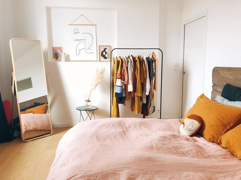 photo 1547110287 71448271b1de - Consejos para vestir la cama en verano